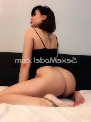 Cyliana escorte massage naturiste à Albi