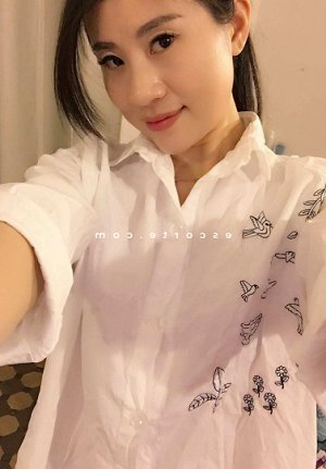 Naella massage tantrique escort