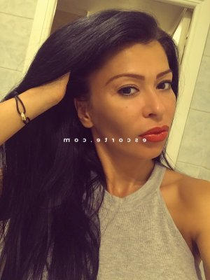 Mahelys escorte girl massage sensuel 6annonce
